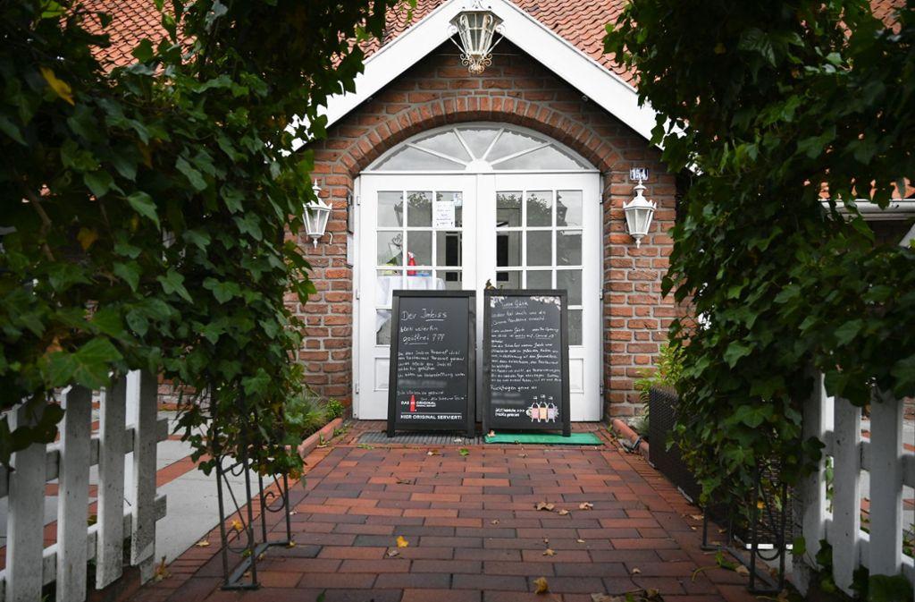 Der Betreiber der Gaststätte hatte am 15. Mai nach eigenen Angaben rund 40 ausgewählte Gäste eingeladen. Foto: dpa/Lars-Josef Klemmer