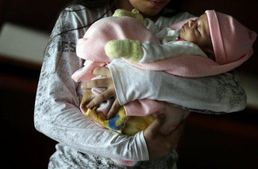 Elfjährige in Paraguay bringt Baby zur Welt
