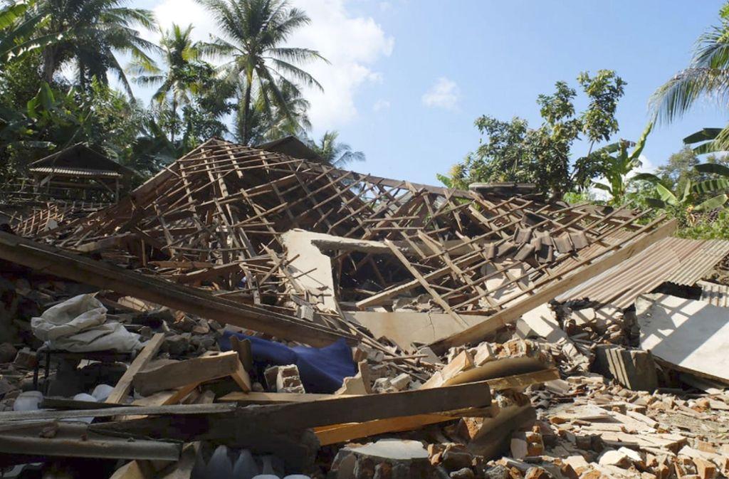 Lombok, die Nachbarinsel von Bali, wurde  erst im August von einem schweren Erdbeben teilweise zerstört. Foto: AP