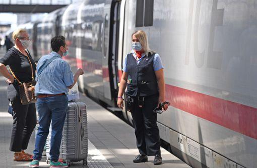 Bahn will Maskenpflicht notfalls mit Zug-Verweisen durchsetzen