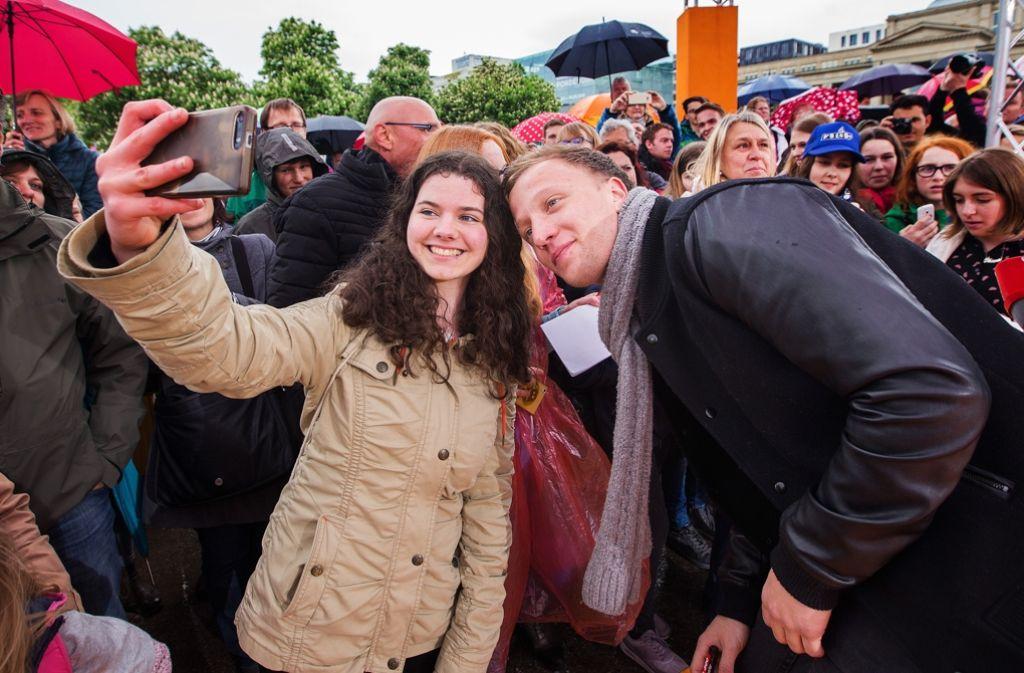 Selfie mit Joris, dem Aufsteiger des Jahres Foto: Lichtgut/Ines Rudel