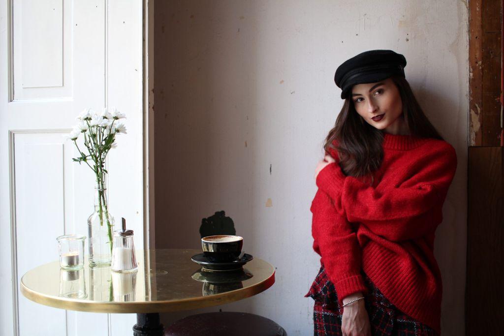 Marissa Schatz bloggt leidenschaftlich über Fashion und zeigt in unserem Stylecheck wie man auch im Winter stylish bleiben kann.  Foto: Alla Lukashova