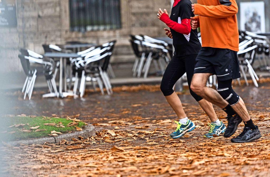 Sport im Freien – in diesem warmen November gar kein Problem. Foto: Lichtgut/Max Kovalenko