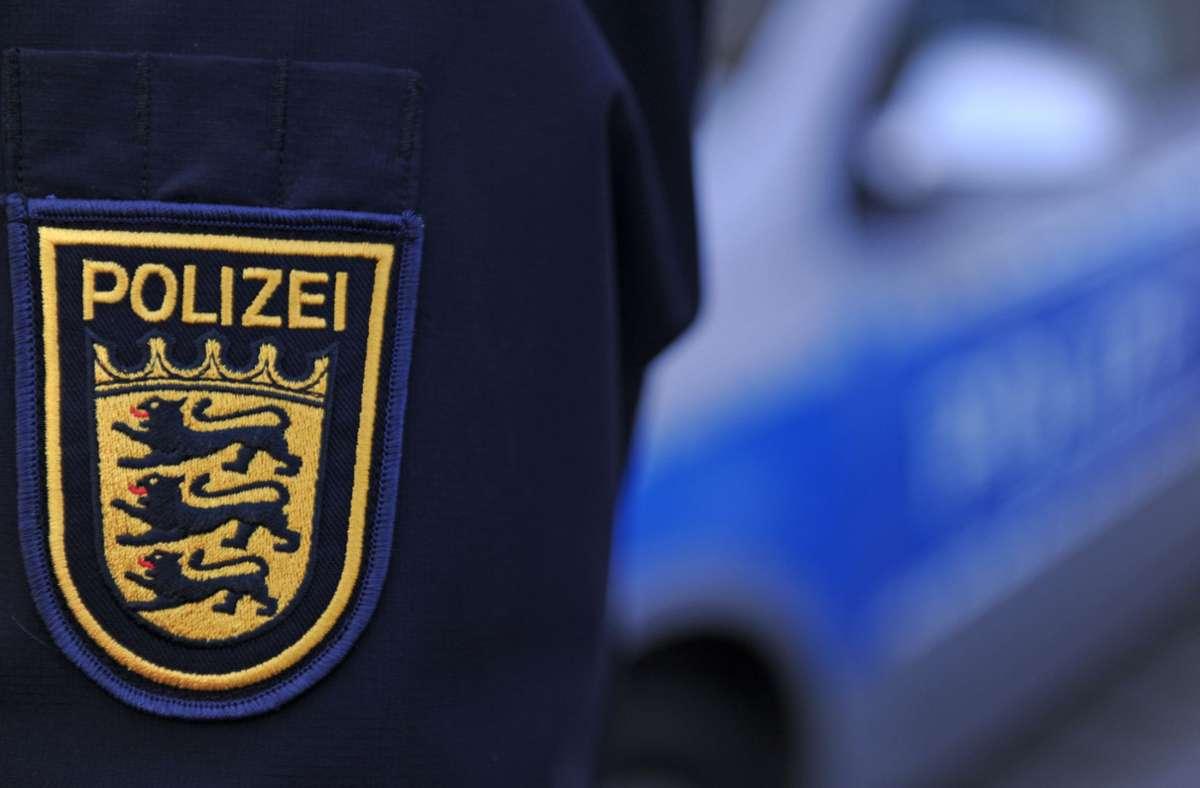 Die Polizei hat in Bietigheim-Bissingen einen Mann festgenommen, der lange in einem Waldstück gelebt hatte. Foto: picture alliance / Patrick Seege/Patrick Seeger