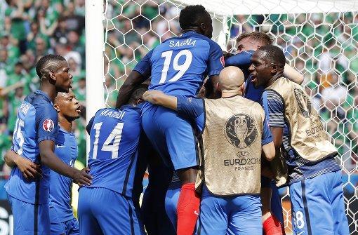 Gastgeber Frankreich erreicht das Viertelfinale