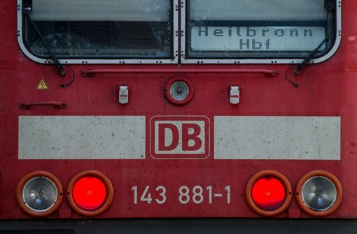 Feuer an Zug im Bahnhof Ludwigsburg