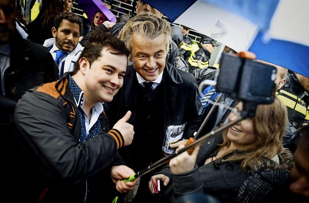 Für das Wahlvolk ist es stets eine große Überraschung, wenn Geert Wilders zu einer Kundgebung in ihrer Stadt auftaucht. Foto: ANP