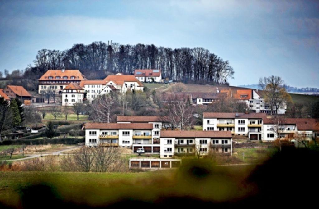 Der Eigentümer des Schönbühl will  weitere Gebäude für die Unterbringung von Flüchtlingen zur Verfügung stellen Foto: Gottfried Stoppel