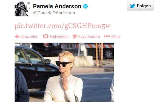 Pamela Anderson trägt ihre Haare jetzt raspelkurz
