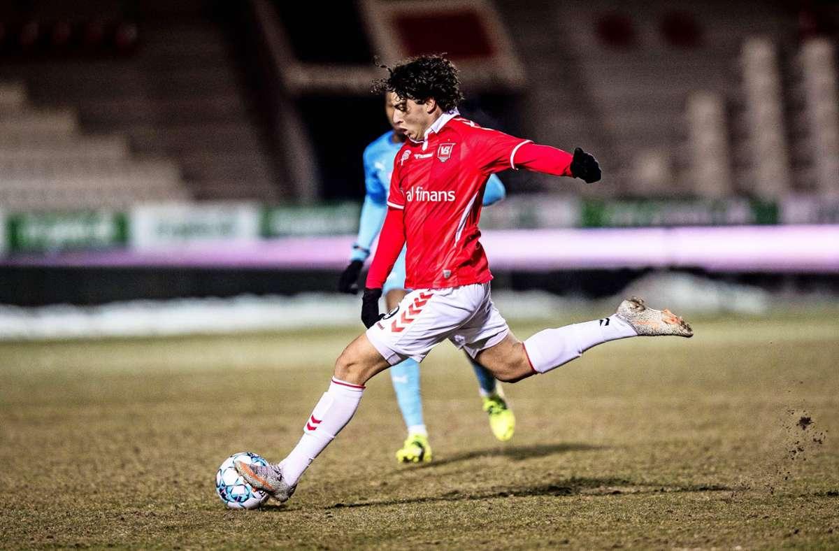 Bald auch im weiß-roten Dress des VfB und nicht mehr nur im dänischen Trikot zu sehen: Neuzugang Wahid Faghir. Foto: imago/Gonzales Photo