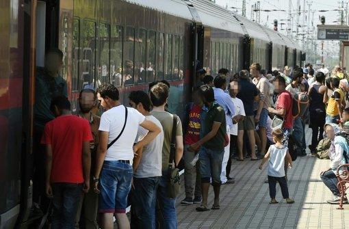 Ungarische Behörden stoppen Züge
