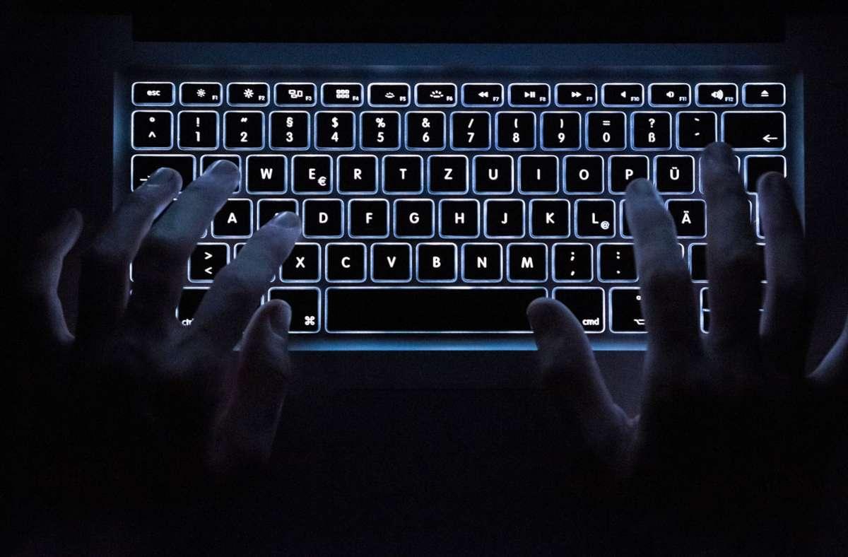 """Ermittler haben die Darknetplattform """"Boystown"""" gesprengt.   (Symbolfoto) Foto: dpa/Silas Stein"""