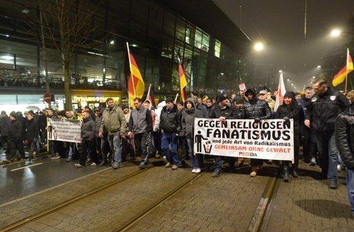 Erneut Tausende auf den Straßen