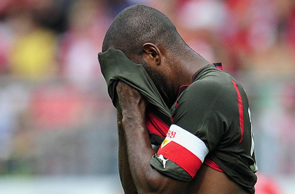 Es ist fraglich, ob Cacau gegen Schalke spielen kann. Foto: ddp