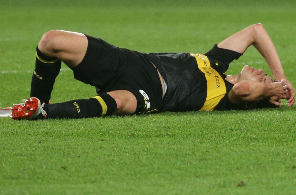 Der VfB liegt schon am Boden. Kommen  wenigstens die Kickers wieder hoch? Foto: Baumann