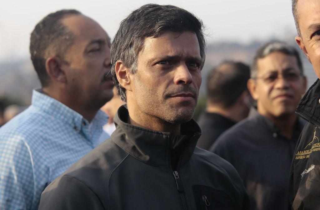 Gegen den Oppositionspolitiker Leopoldo López wurde Haftbefehl erlassen Foto: dpa