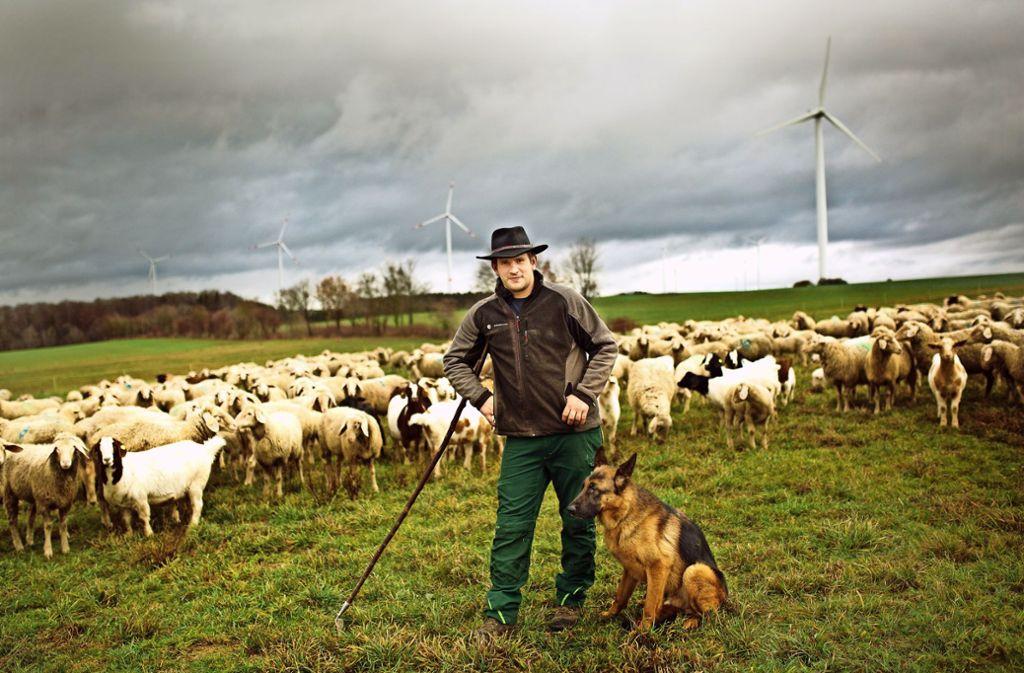 Maximilian Brühl und seine Tiere tun etwas für die typische Alb-Landschaft. Foto: Ines Rudel
