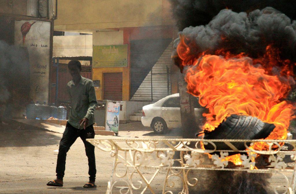 Nach den Massenprotesten von Schülern im Sudan mit mehreren Toten schließt die Militärjunta alle Schulen und Kindergärten. Foto: AFP