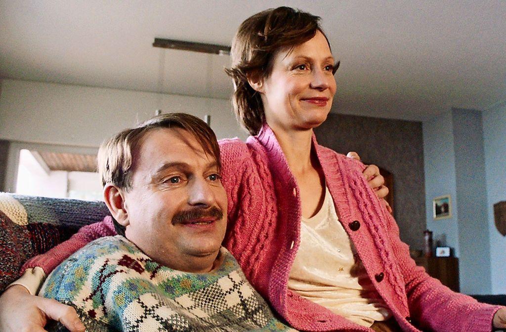 Biggi (Katharina Marie Schubert) und und Hajo Lohmann (Peter Trabner) meinen es nur gut. Foto: HR/Müller
