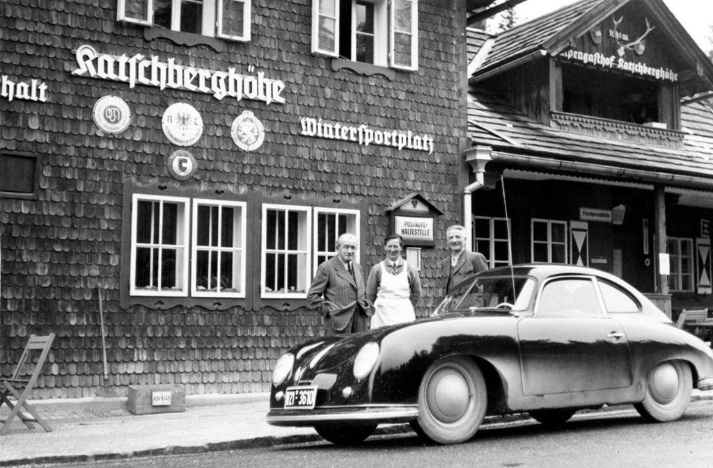 """Bis zum Jahresende baut das nun wieder als """"Dr. Ing. h.c. F. Porsche KG"""" firmierende Unternehmen 369 Exemplare des 356 unter Nutzung der Kapazitäten der Karosseriefabrik Reutter. Foto: Porsche"""