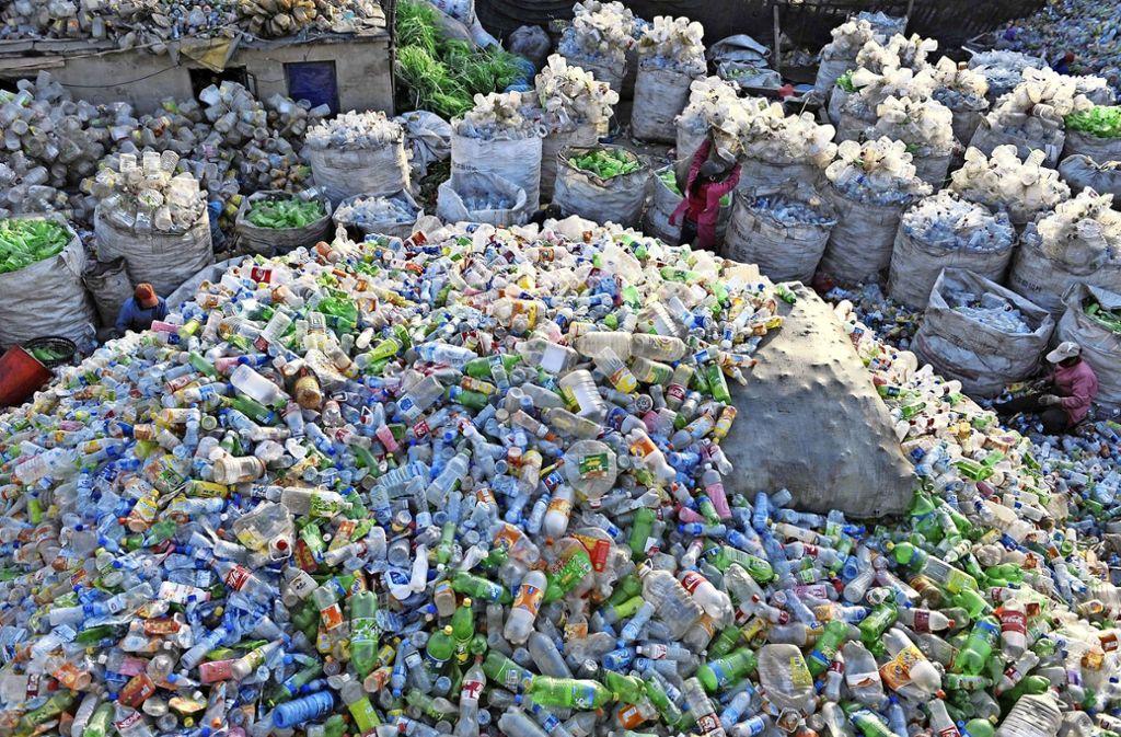 Ein großer Teil der in Deutschland konsumierten Getränke wird in Plastikflaschen abgefüllt. Foto: dpa