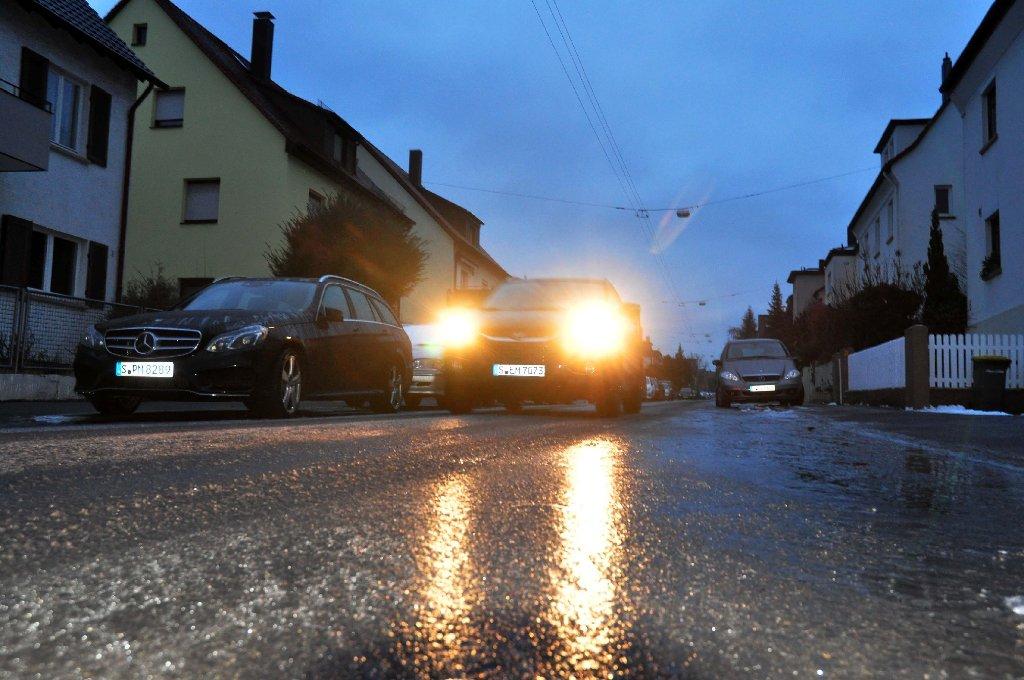 Die Nacht in Stuttgart und der Region war sehr rutschig. Das Blitzeis sorgte für viele Unfälle. Eine Bilanz. Foto: Andreas Rosar Fotoagentur-Stuttgart
