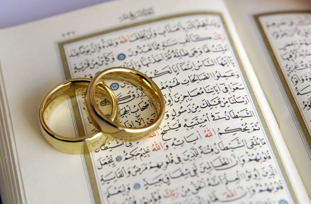 Laut dem Koran darf ein Mann eine zweite Frau heiraten, aber auch in Deutschland verstößt dies zumindest nicht gegen die Verfassung. Jedenfalls sagen das die obersten Verwaltungsrichter. Foto: vario images