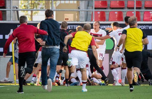 96. Minute! Schleusener rettet den 1. FC Nürnberg vor dem Abstieg