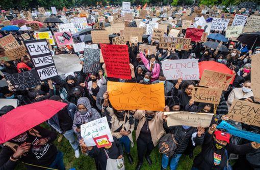 """Experte: Demonstrationen könnten """"ungeplante Studie"""" sein"""