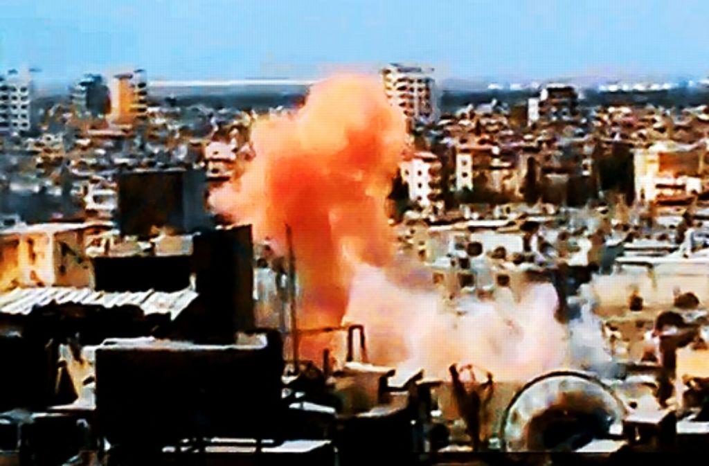 Ein Videoausschnitt zeigt die explosive Lage in Homs. Foto: dpa
