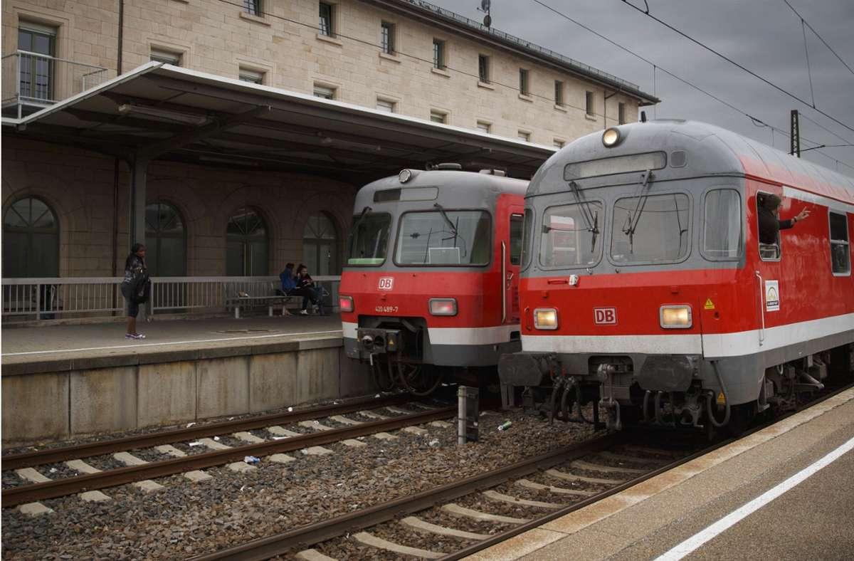 Etliche Bahnhöfe im Kreis sollen barrierefrei umgestaltet werden – auch der in Schorndorf. Foto: Gottfried Stoppel