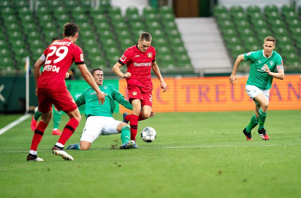 Jugend forsch: Die Rasselbande von Bayer Leverkusen um Kai Havertz  und Florian Wirtz  mischt die Bundesliga auf – hier hat Werder Bremen das Nachsehen. Foto: gumzmedia / nordphoto / Pool