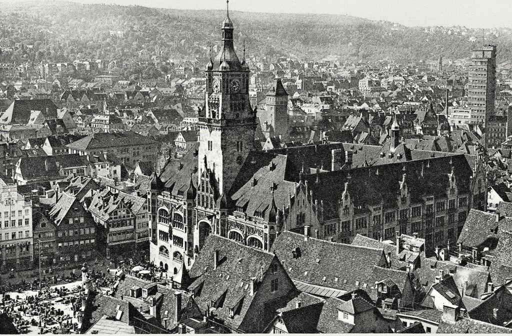 Blick auf den Stuttgarter Marktplatz mit dem alten Rathaus in den 1930ern. Foto: Hommel