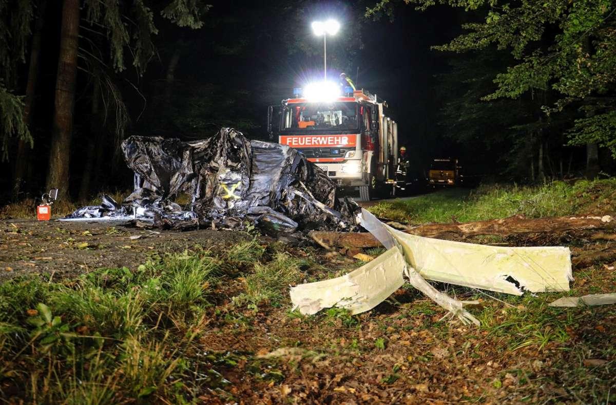 Das Ultraleicht-Fluggerät war im hessischen Wetteraukreis bei der Stadt Butzbach abgestürzt. Foto: dpa/Fabien Kriegel