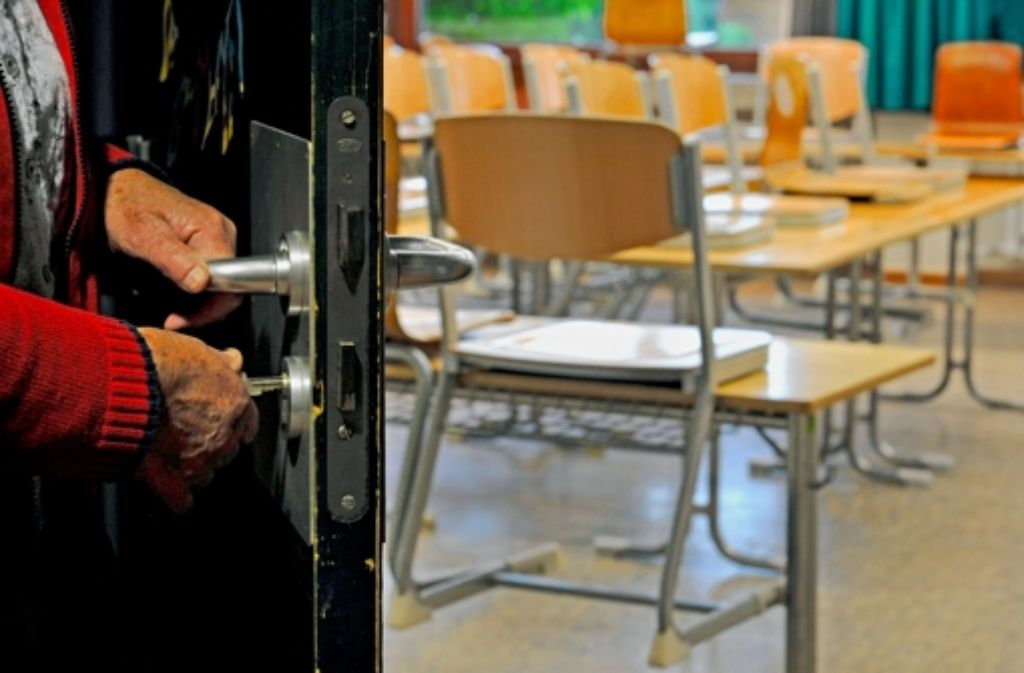 Bleiben die Klassenzimmer an den Hauptschulen bald leer? Nach der Abschaffung der verbindlichen Grundschulempfehlung melden nur noch  wenige Eltern ihre Kinder dort an. Foto: dpa