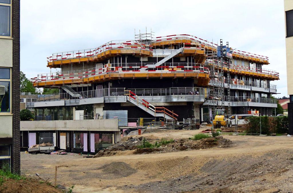 Das neue Schulgebäude wird nicht zu den Sommerferien fertig Foto: Otto-H. Häusser