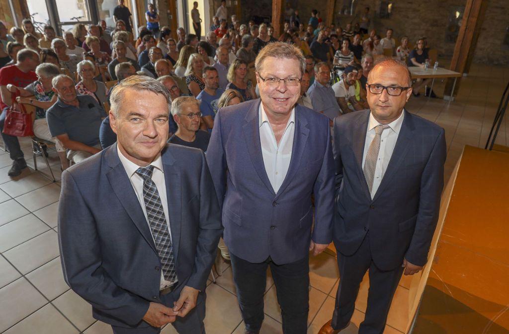 Bernd Dürr ist  im Moment Chef im Rathaus. Dorthin wollen auch Kai Jens Schröder und Yusuf Zengin (von links). Foto: factum/