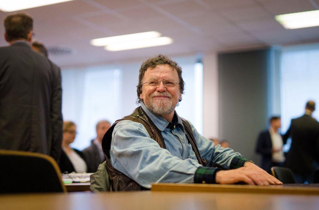 Manfred Niess im Verwaltungsgericht in Stuttgart 2017, wo er eine Klage gegen das Land Baden-Württemberg eingereicht hatte. Foto: dpa