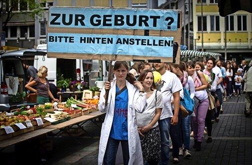 Hebammen protestieren