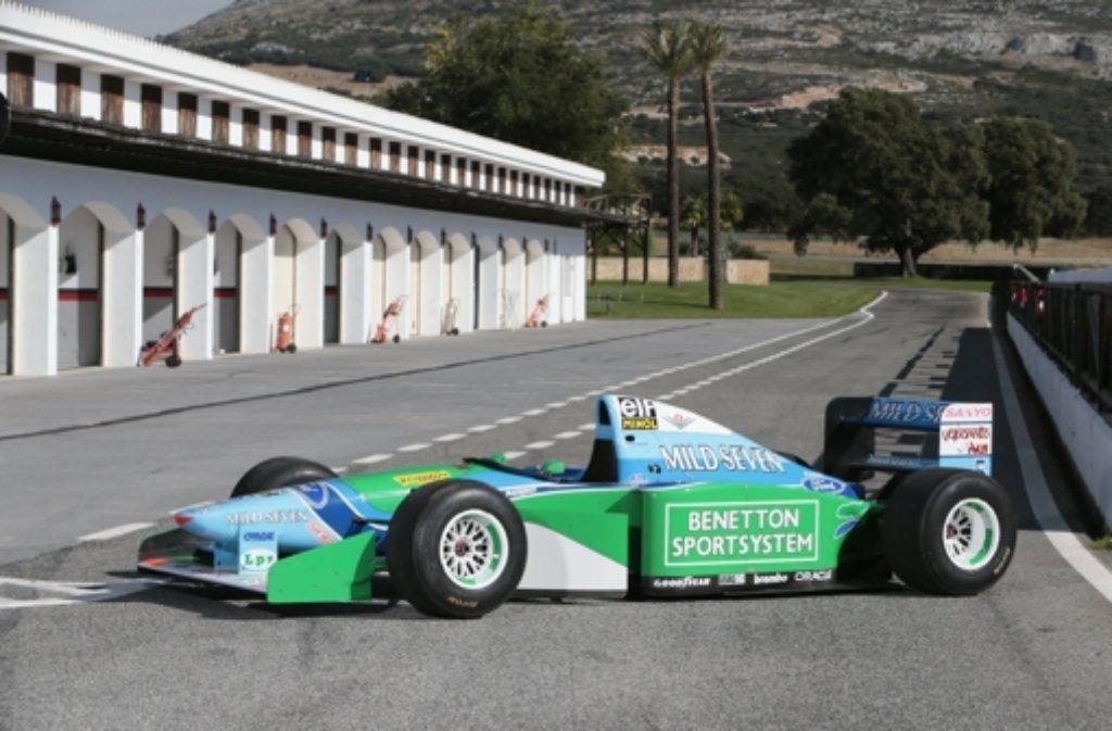 Rund 744.000 Euro war Michael Schumachers Weltmeisterauto von 1994 einem Bieter wert. Foto: Bonhams/dpa
