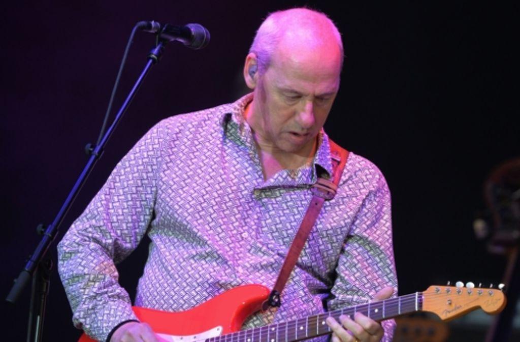 Mark Knopfler und seine Gitarre: Mehr braucht es nicht. Foto: dpa