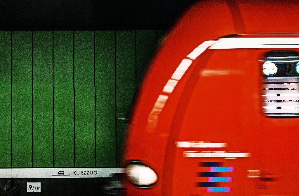 S-Bahn-Blues für Berufspendler: Fährt sie oder fährt sie nicht – und wenn ja, wann? Foto: Lichtgut/Max Kovalenko