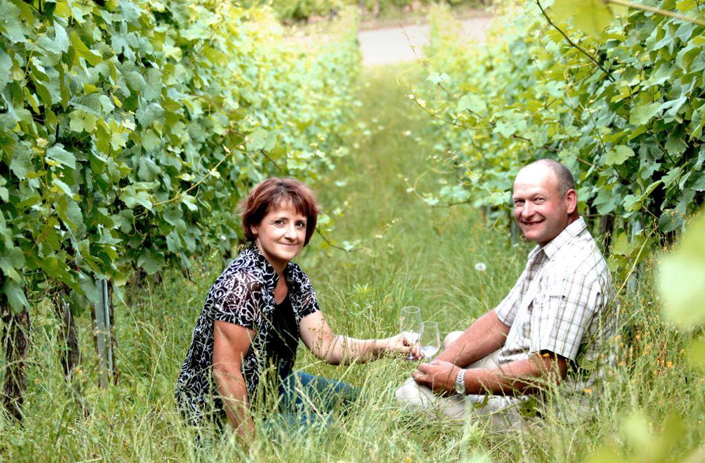 Auf ihre Weinreben in Riquewihr sind sie stolz: Laurence und Philippe Greiner. Foto: privat
