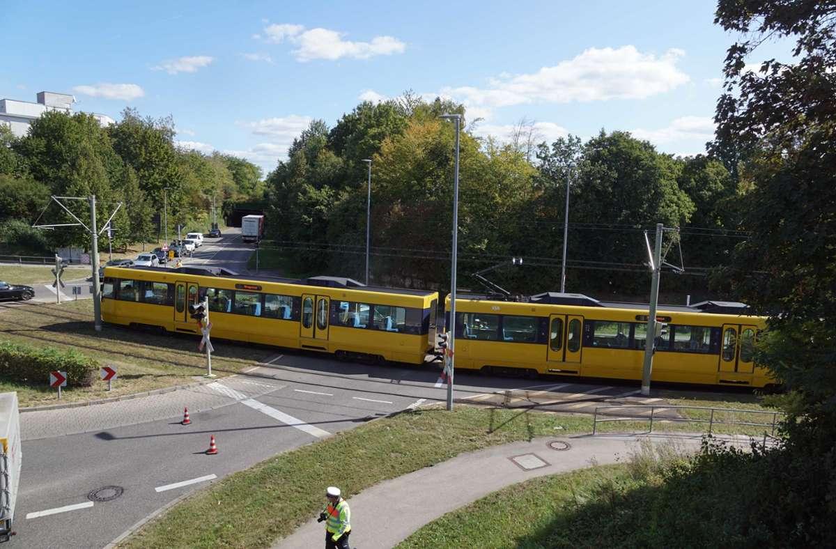 Zwischen den Haltestellen Steinhaldenfeld und Neugereut war es erst am 19. September zu einem ähnlichen Unfall gekommen. (Archivfoto) Foto: Andreas Rosar Fotoagentur-Stuttg