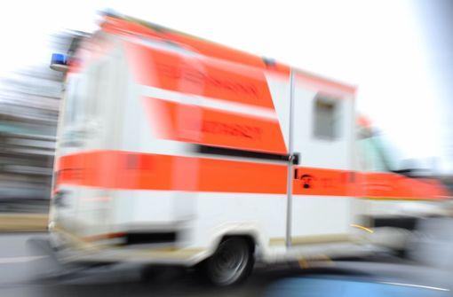 17-jähriger Radler auf nasser Fahrbahn weggerutscht