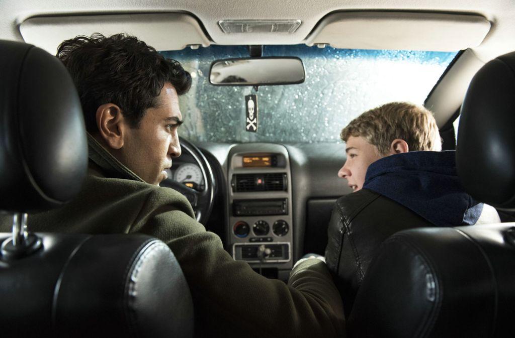 """Elyas M'Barek (links) und Philipp Noah Schwarz in """"Dieses bescheuerte Herz"""" Foto: Verleih"""