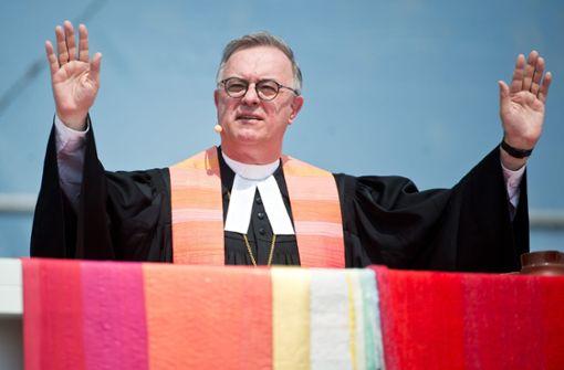Landesbischof July spricht sich gegen Waffenmesse aus