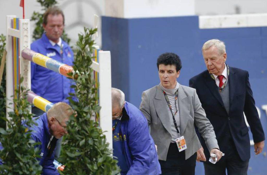 Parcourschefin Christa Jung bei der Arbeit   in der Stuttgarter Schleyerhalle. Foto: imago/Rau