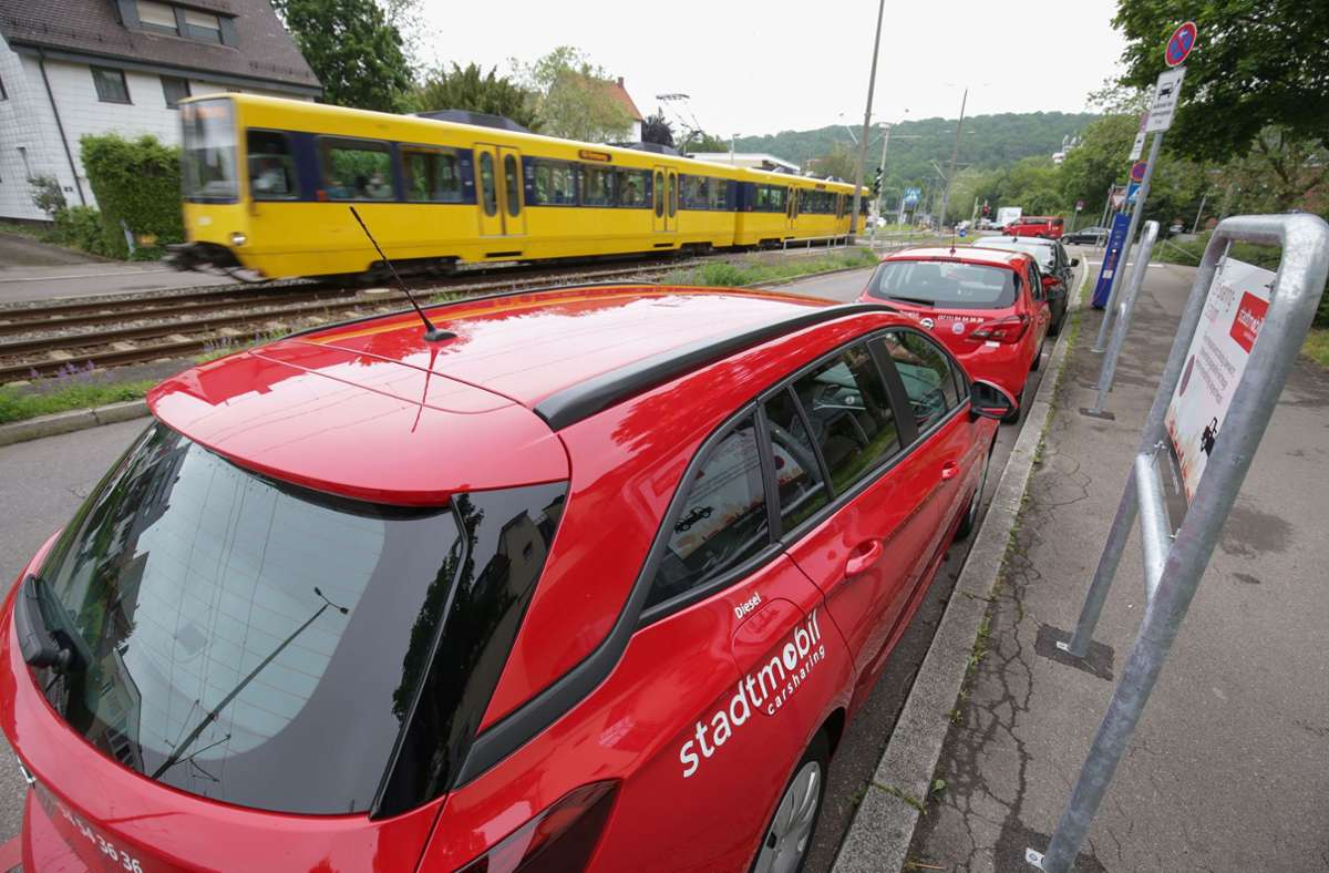 Auch in Botnang finden Autoteiler nun in der Nähe einer Stadtbahn-Haltestelle feste Plätze für ihr Fahrzeug. Foto: Lichtgut/Leif Piechowski