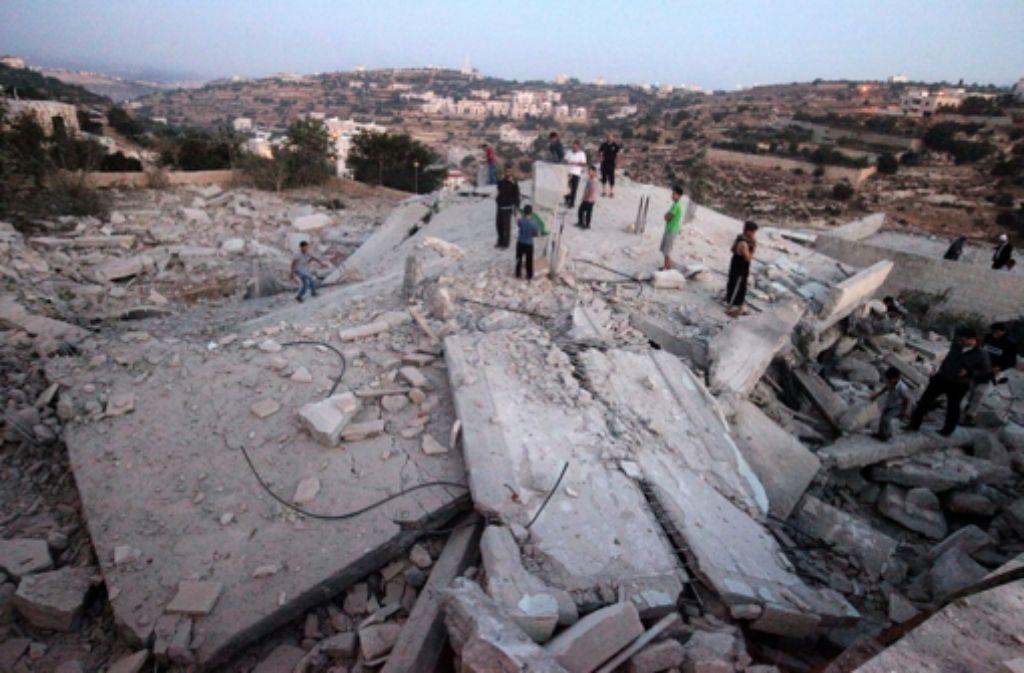 Gaza-Krieg: Waffenruhe um 24 Stunden verlängert - Politik ...